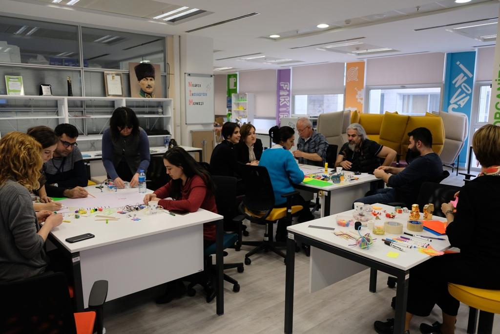 Nilüfer Belediyesi Tasarım ve İnovasyon Merkezi Design Thinking Eğitimi